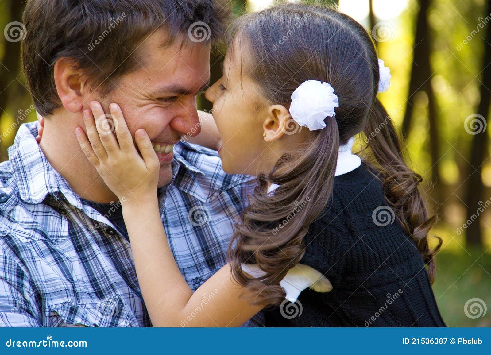 Glücklicher Vater und Tochter