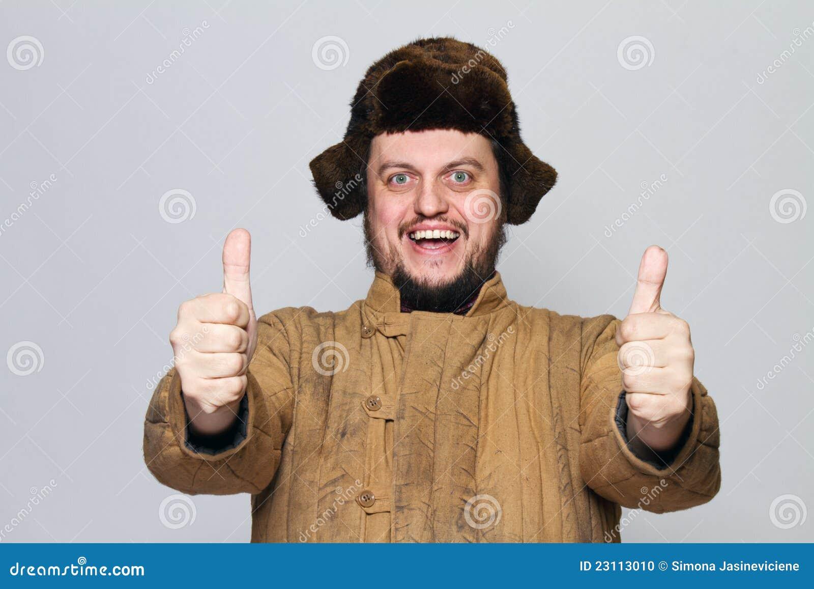 Glücklicher verrückter russischer Mann mit dem Ohr