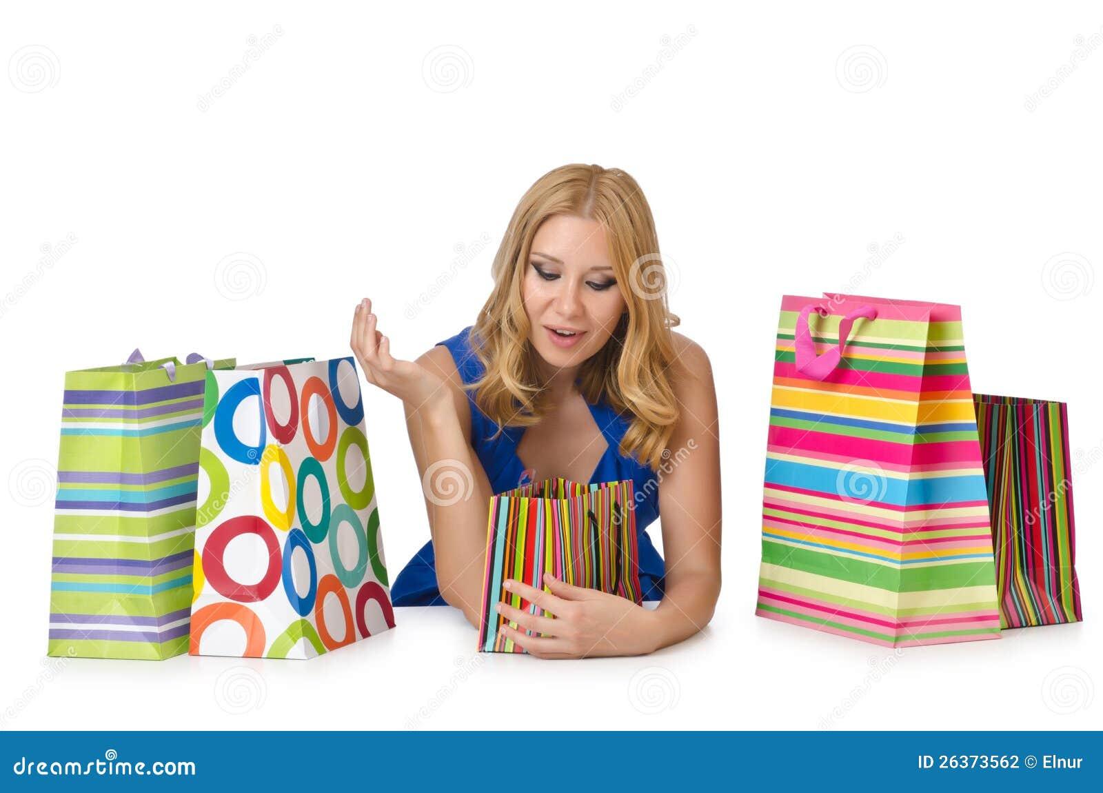 Glückliches Mädchen nach dem Einkauf