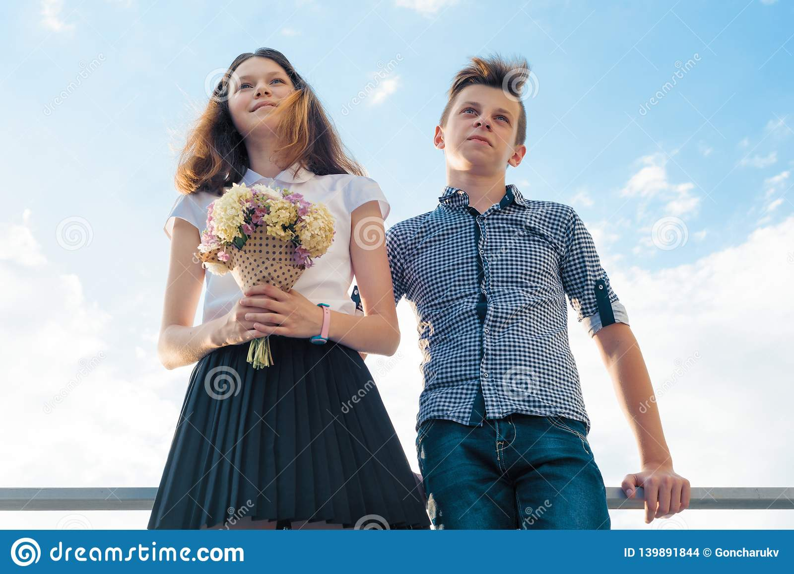 Reifes Junges Paar Mädchen Junges Paar