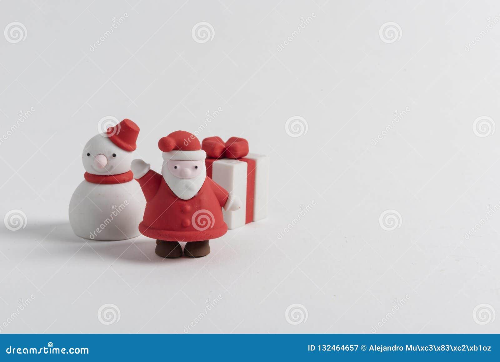 Glückliches Weihnachtszahlen auf weißem Hintergrund