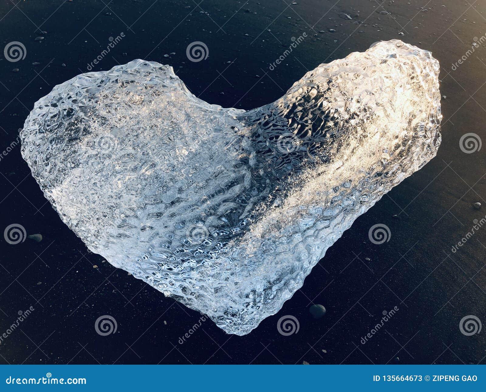 Glace en forme de coeur