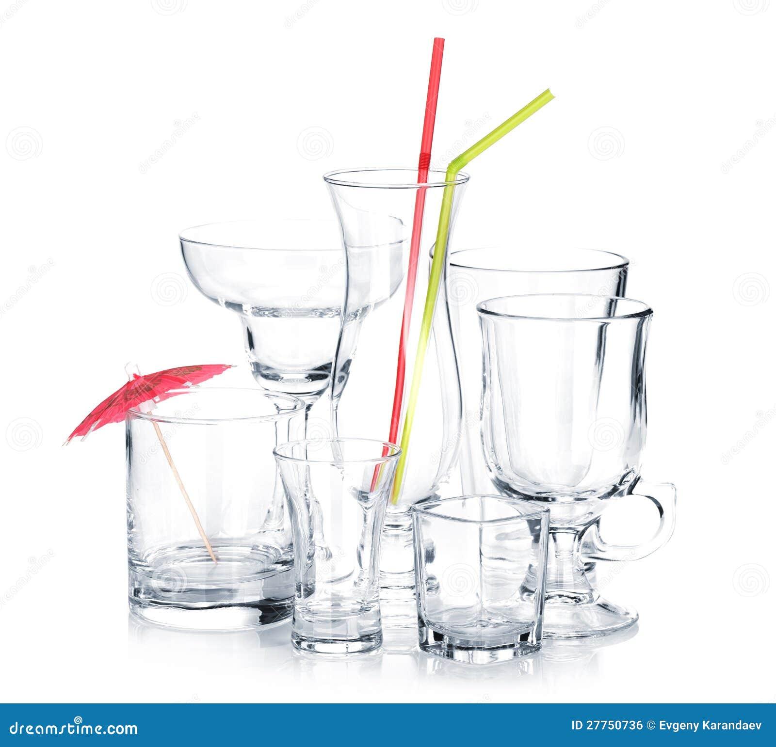 Glaces de cocktail avec les pailles à boire et le parapluie