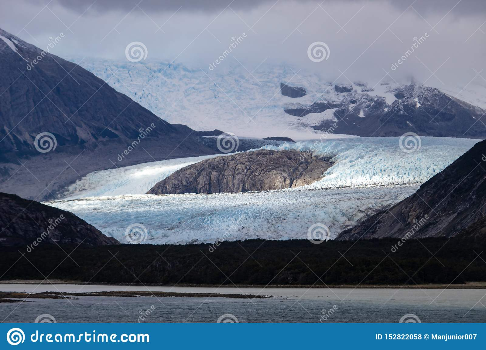Glacier Alley - the Beagle Channel - Ushuaia Patagonia Argentina