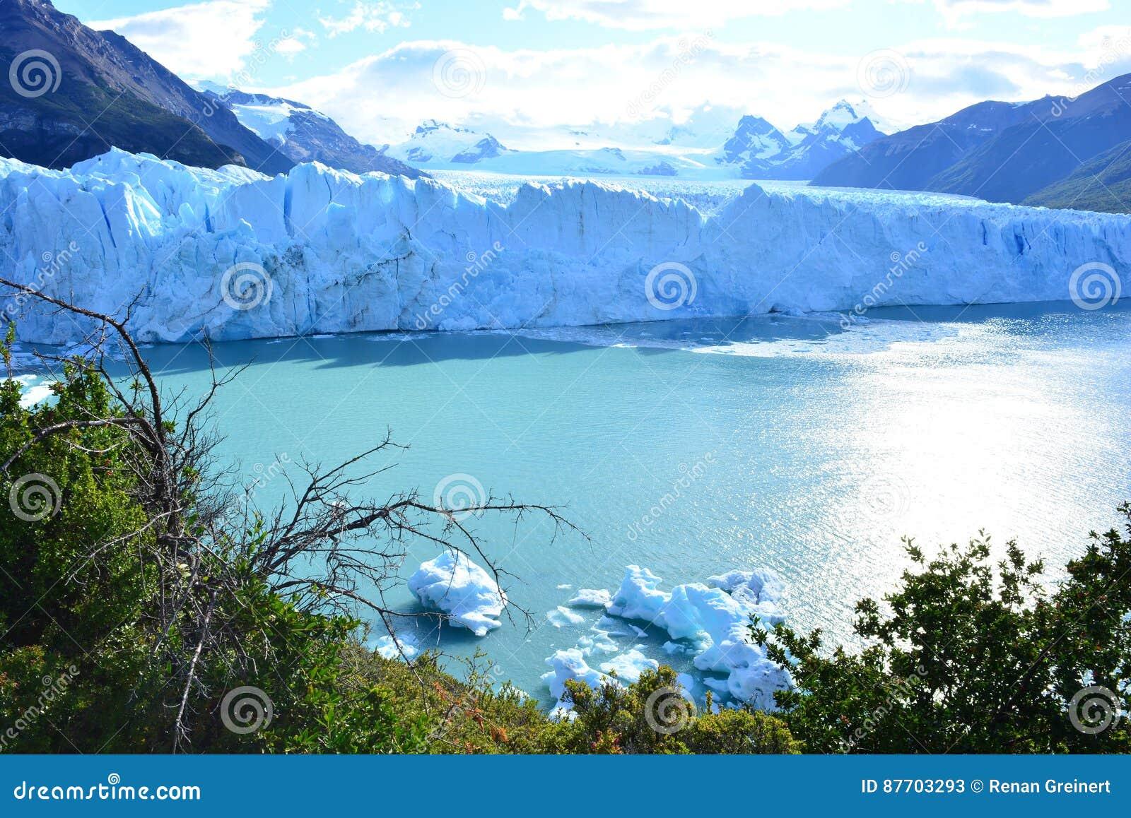 Glacier de Perito Moreno en EL Calafate, Argentine