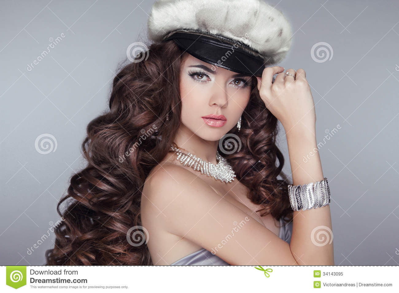 Glamour Fashion Girl Model With Long Wavy Healthy Hair