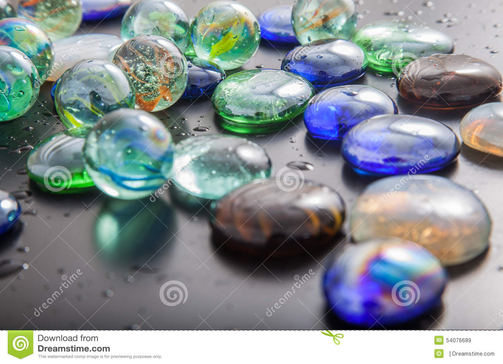 Glas marmeren ballen en glaskiezelstenen