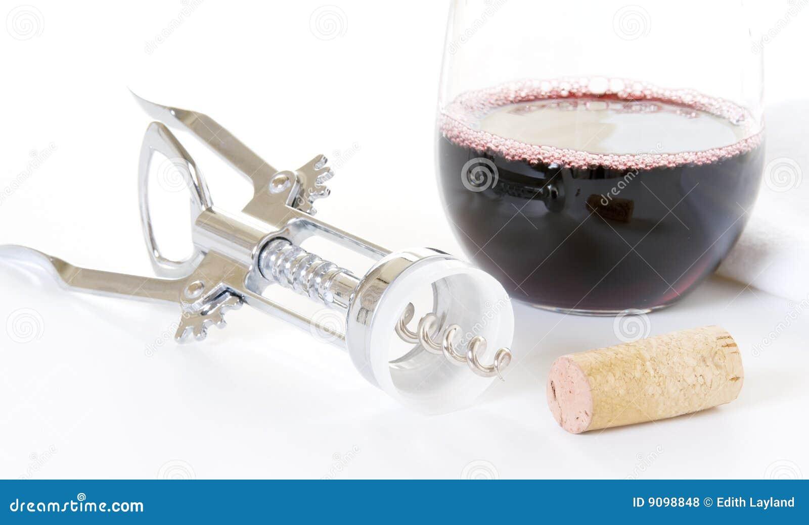 Glas Rotwein mit Korken-und Wein-Öffner