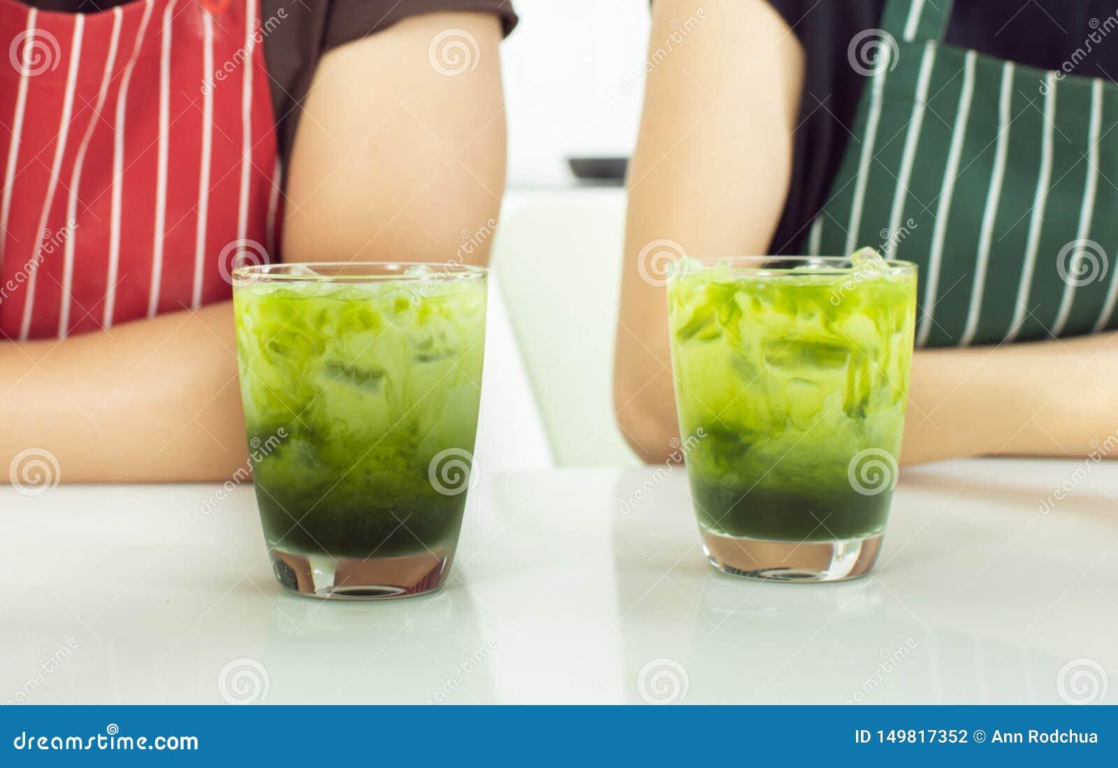 Glases för Closeup två av grönt te