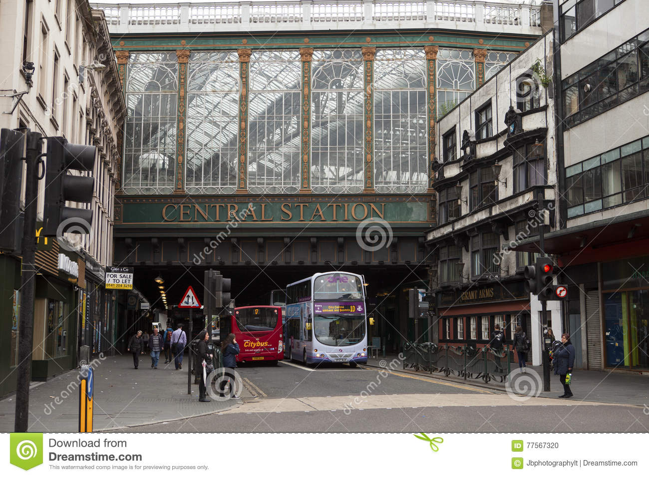 Glasgow Central Station editorial image  Image of busy - 77567320