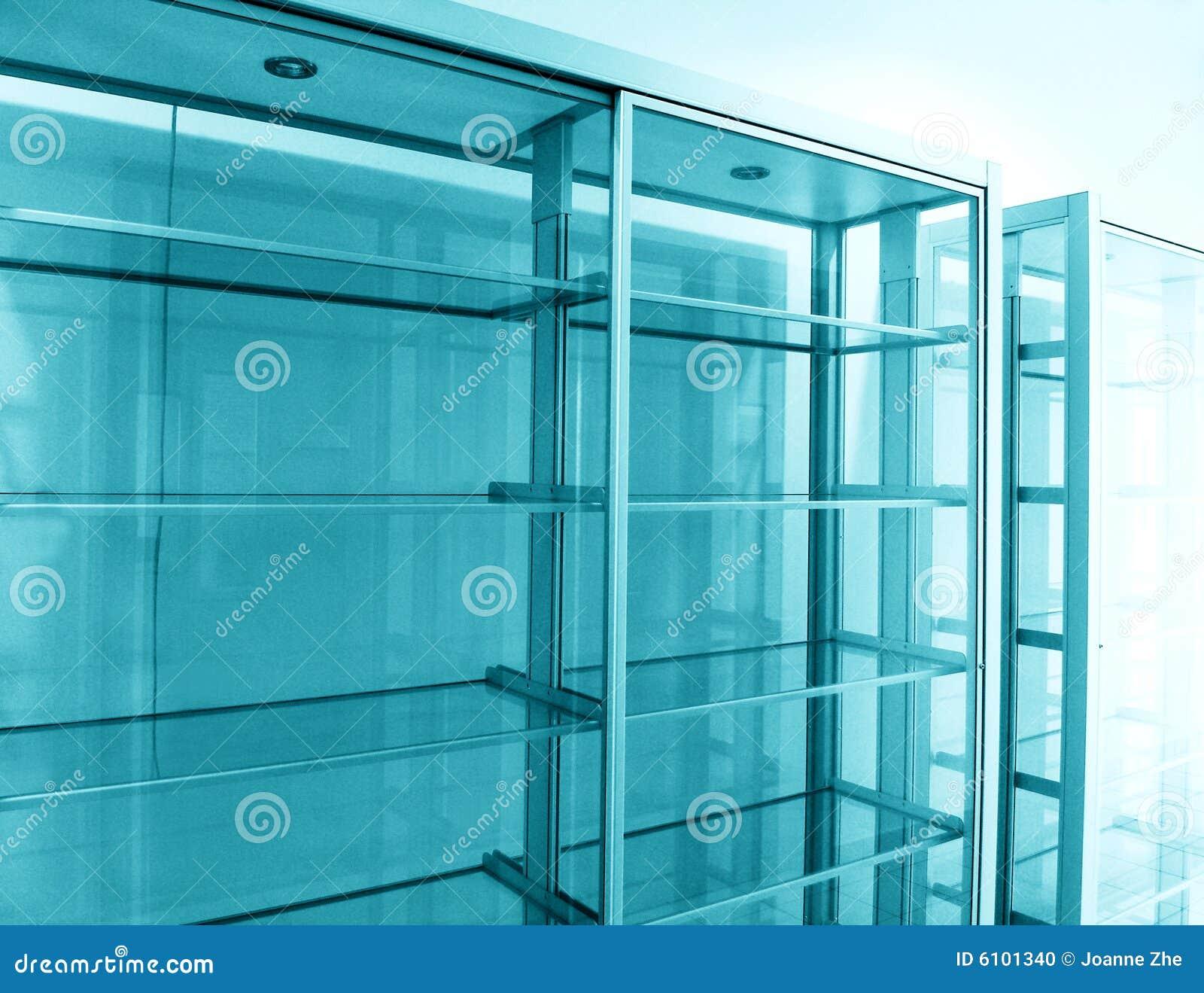 glasregale leer stockfoto bild 6101340. Black Bedroom Furniture Sets. Home Design Ideas
