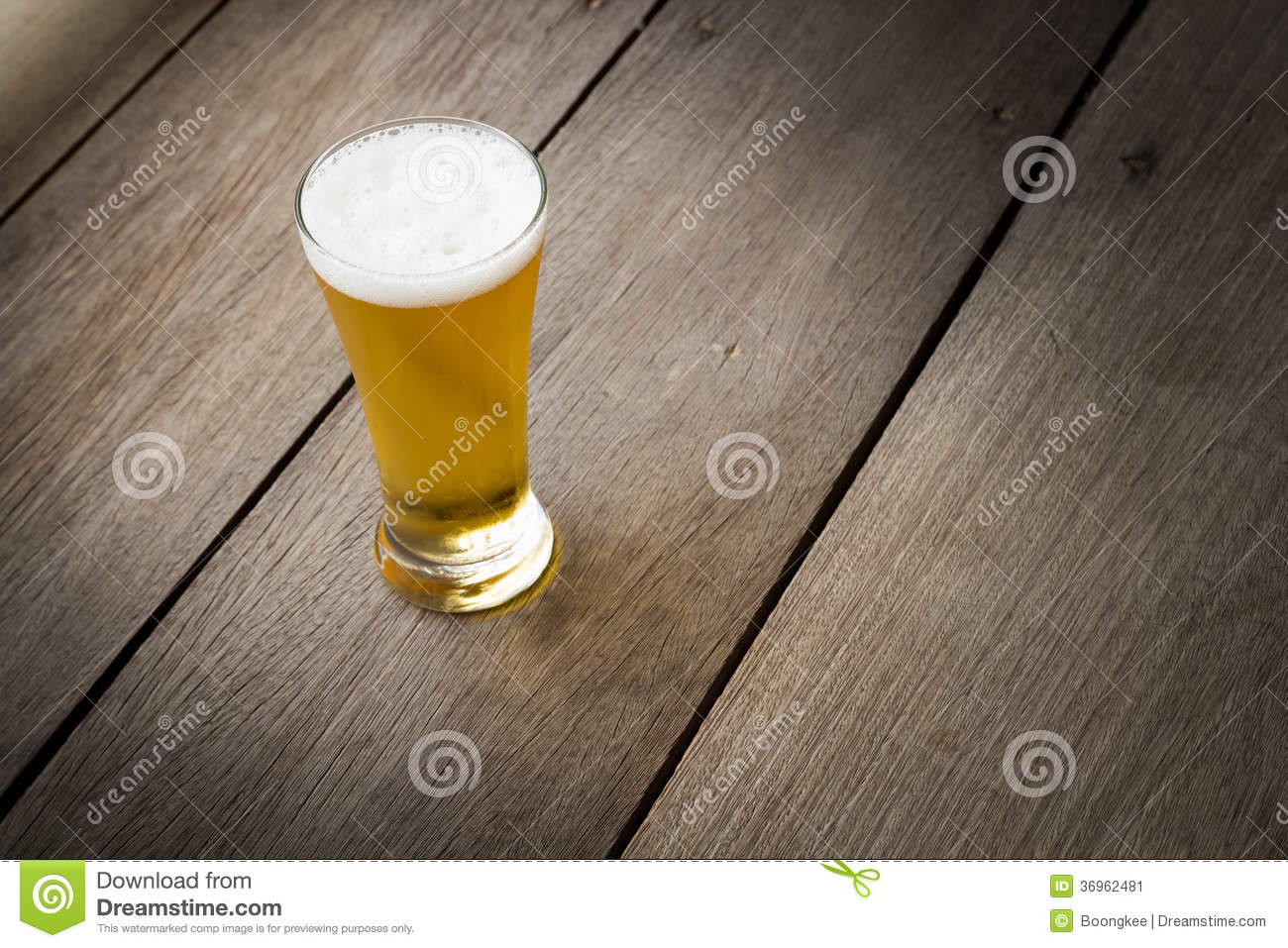 glass beer on wood - photo #40