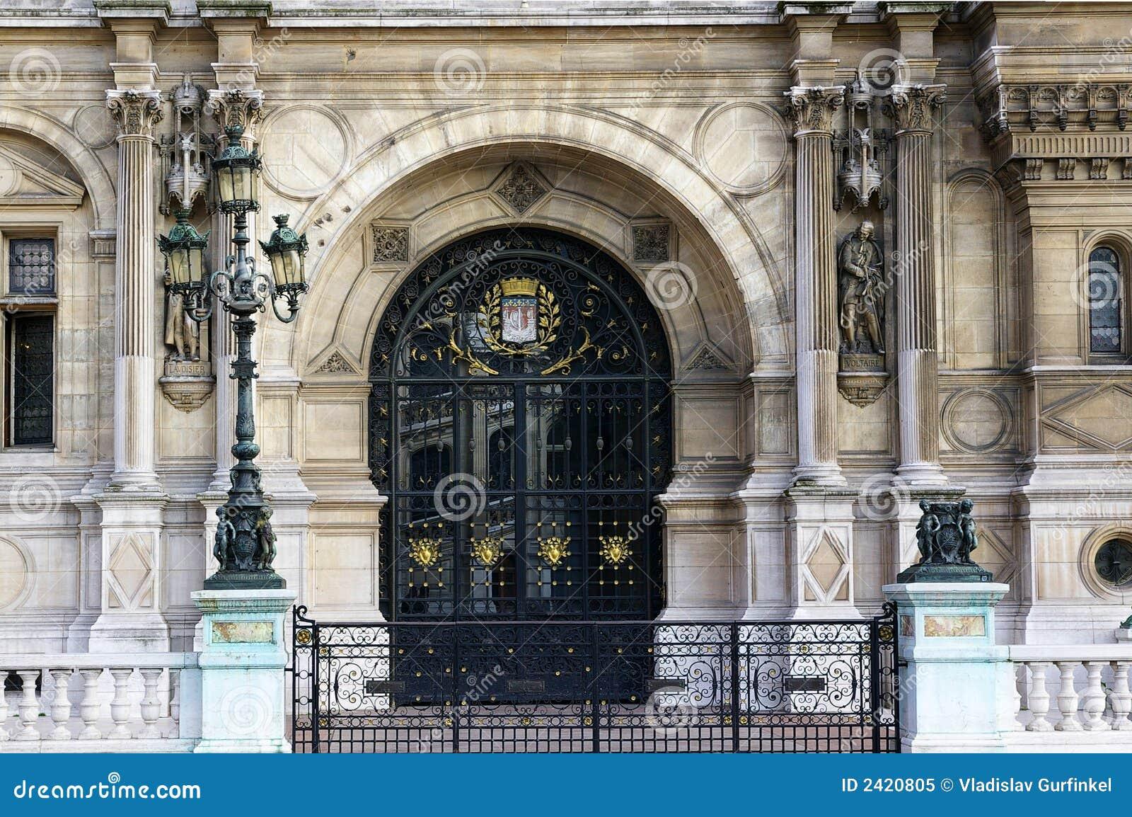 Glass door - Hotel de Ville
