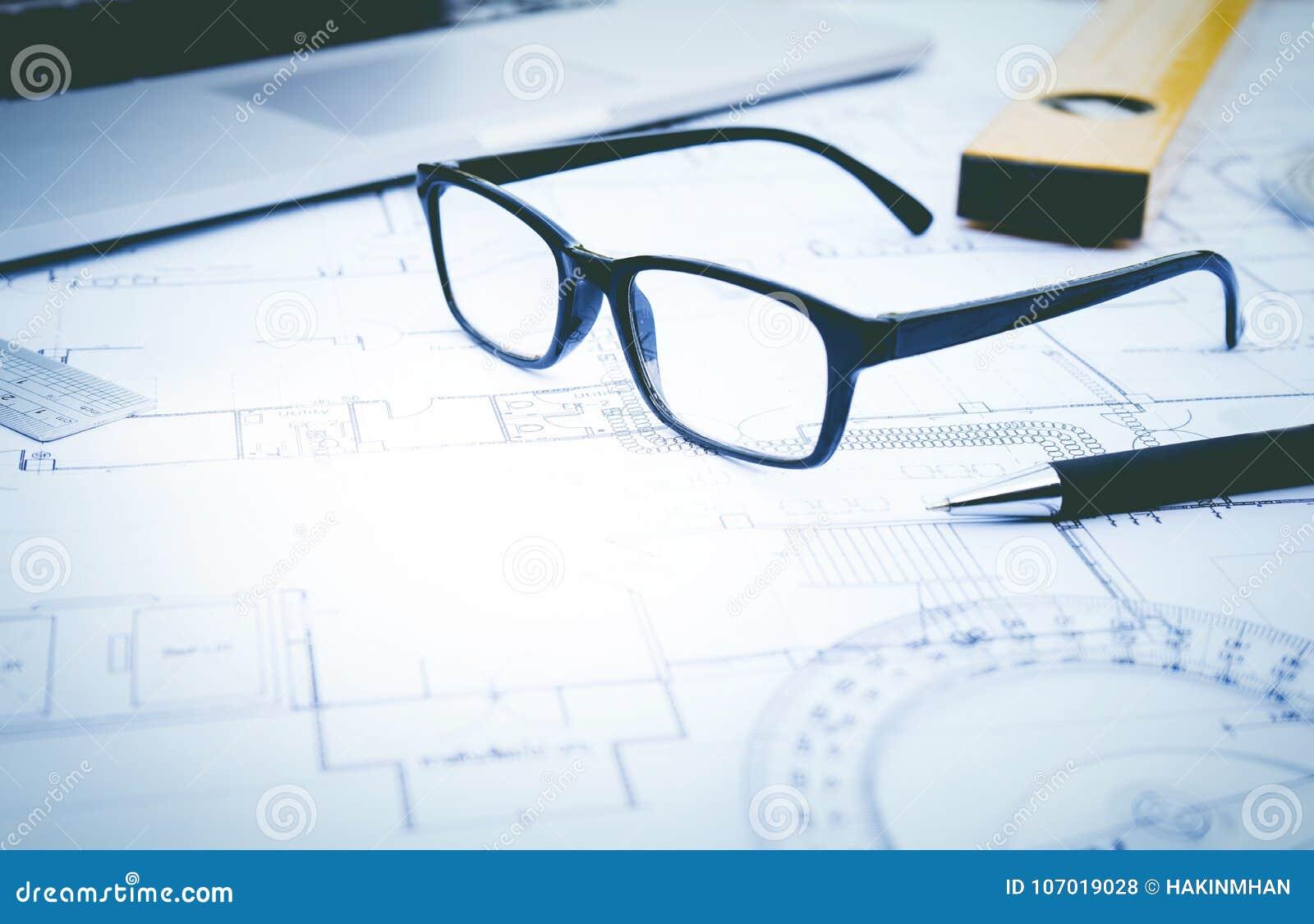 Glazen op planontwerp Concept architectuur, bouw