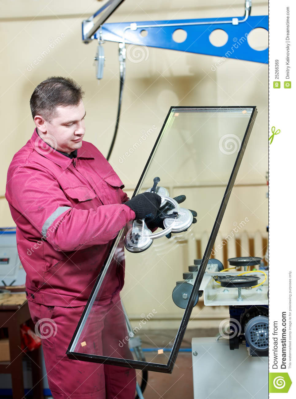 Glazier Worker With Glass Royalty Free Stock Images