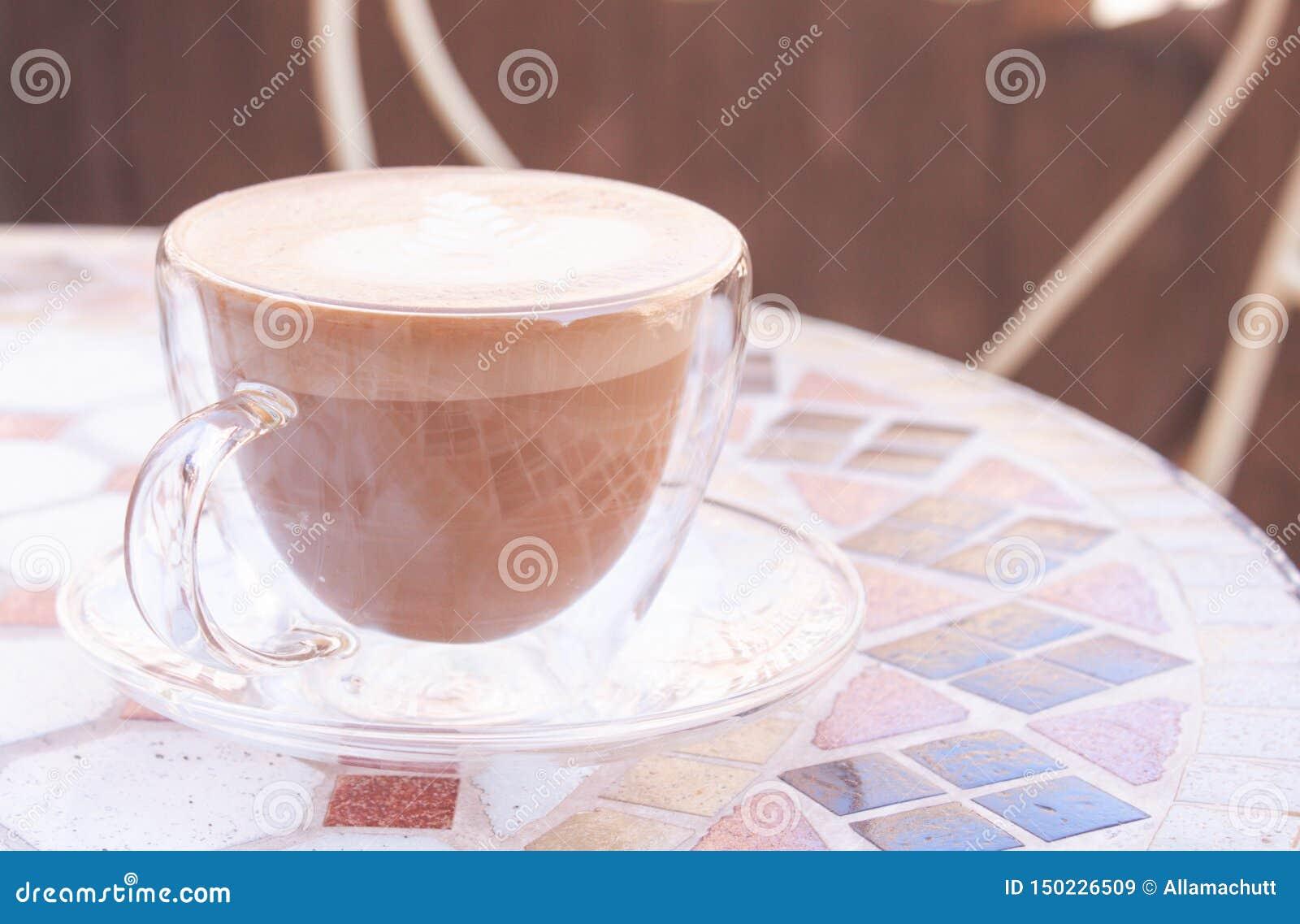 GLB van cappuccino in pastelkleuren
