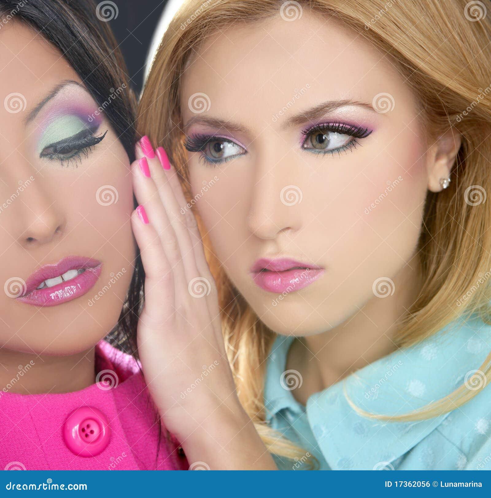 Gli anni 80 della bambola delle donne di Barbie designano il trucco di fahion