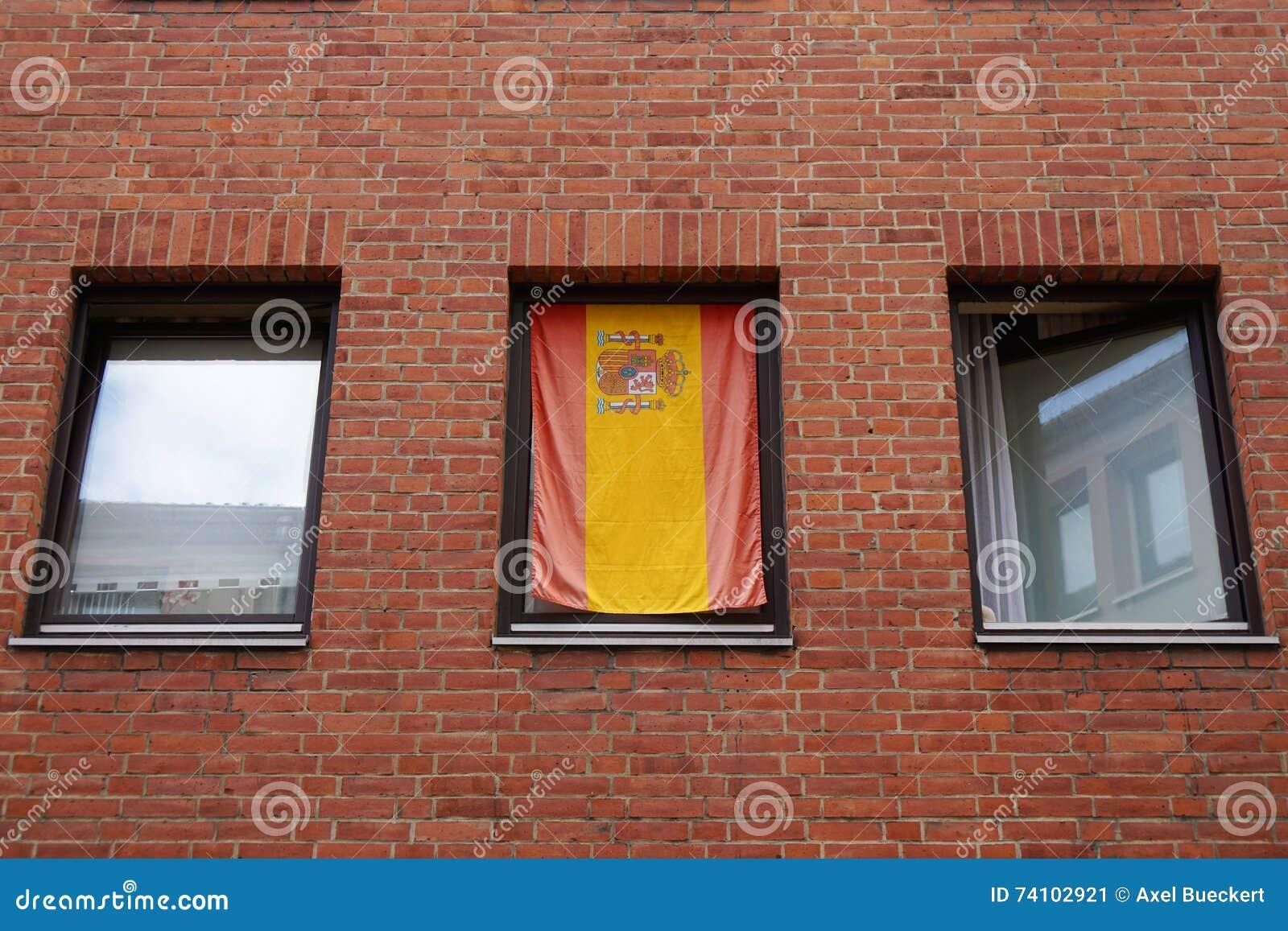 Gli Spagnoli diminuiscono in finestra