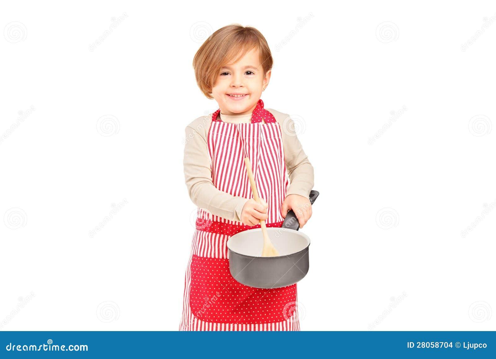 Glimlachend klein meisje dat een pan en keukenwerktuig houdt stock afbeeldingen afbeelding - Kleurenkamer klein meisje ...