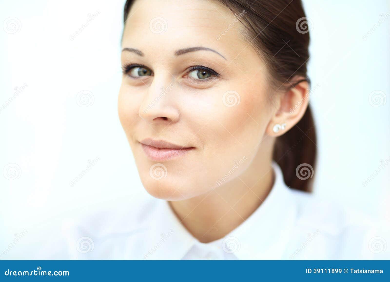 Glimlachende bedrijfsvrouw