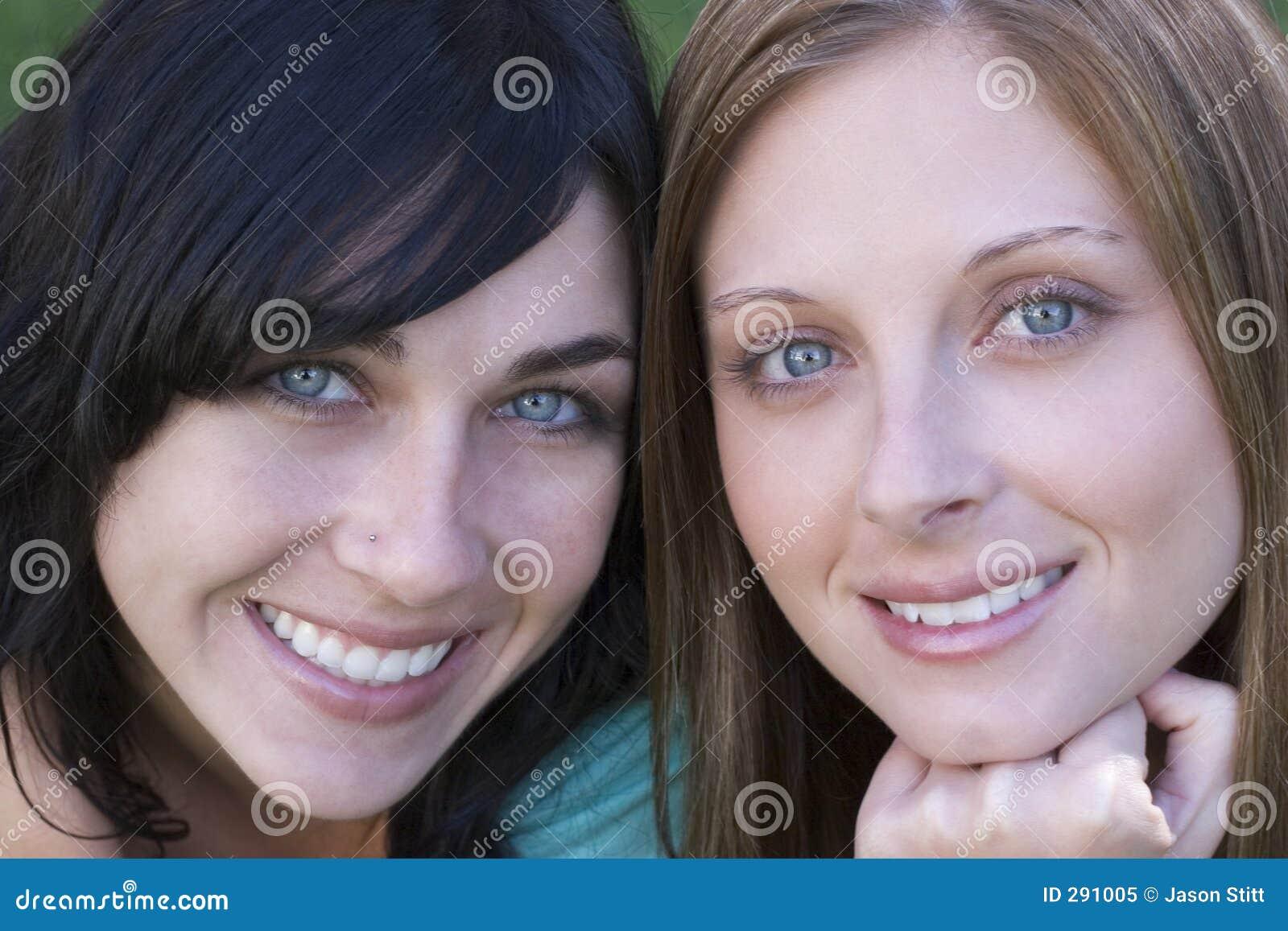 Glimlachende Vrouwen