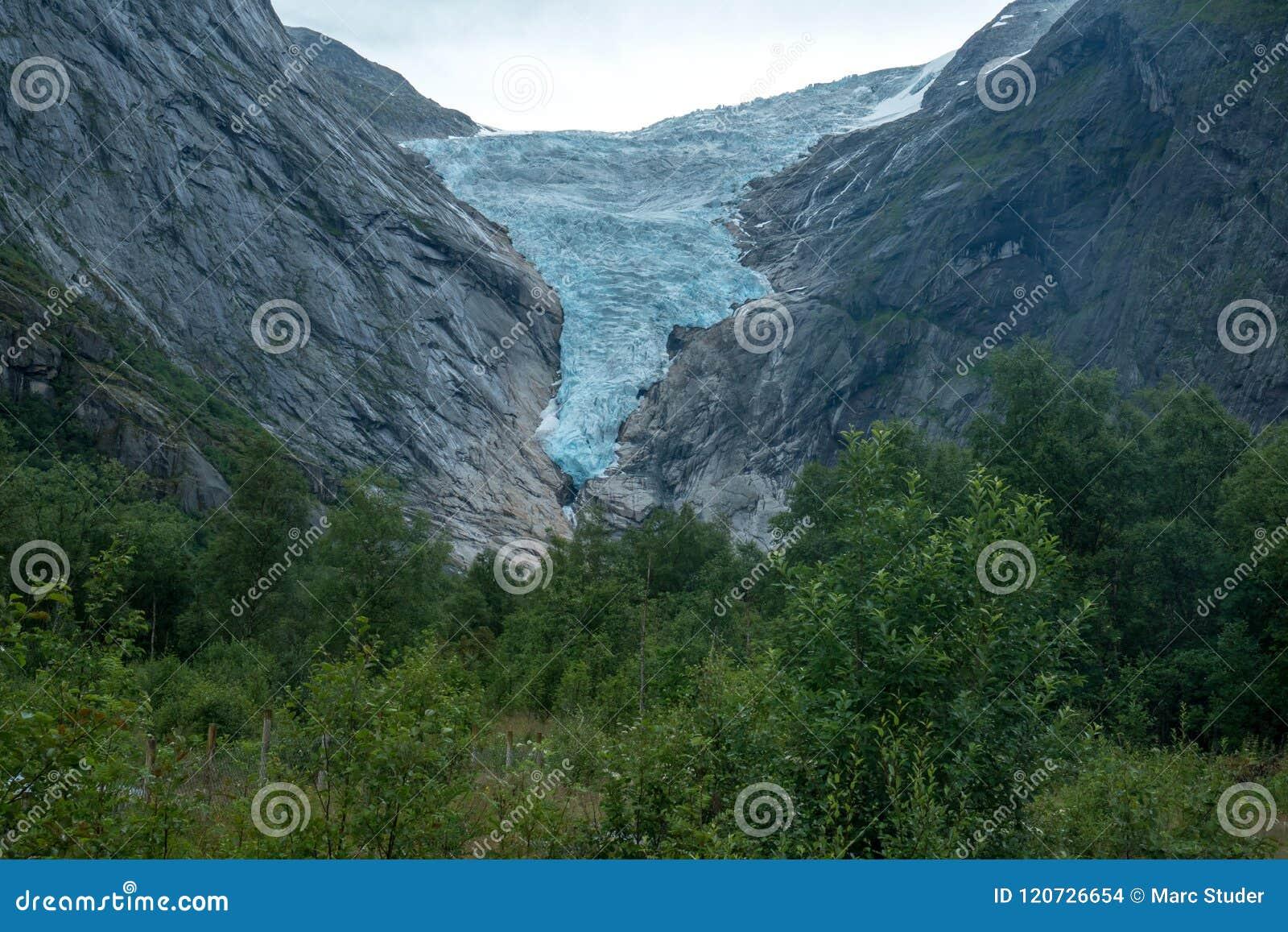 Global uppvärmningglaciär briksdal glaciär i Briksdalbreen, Norge