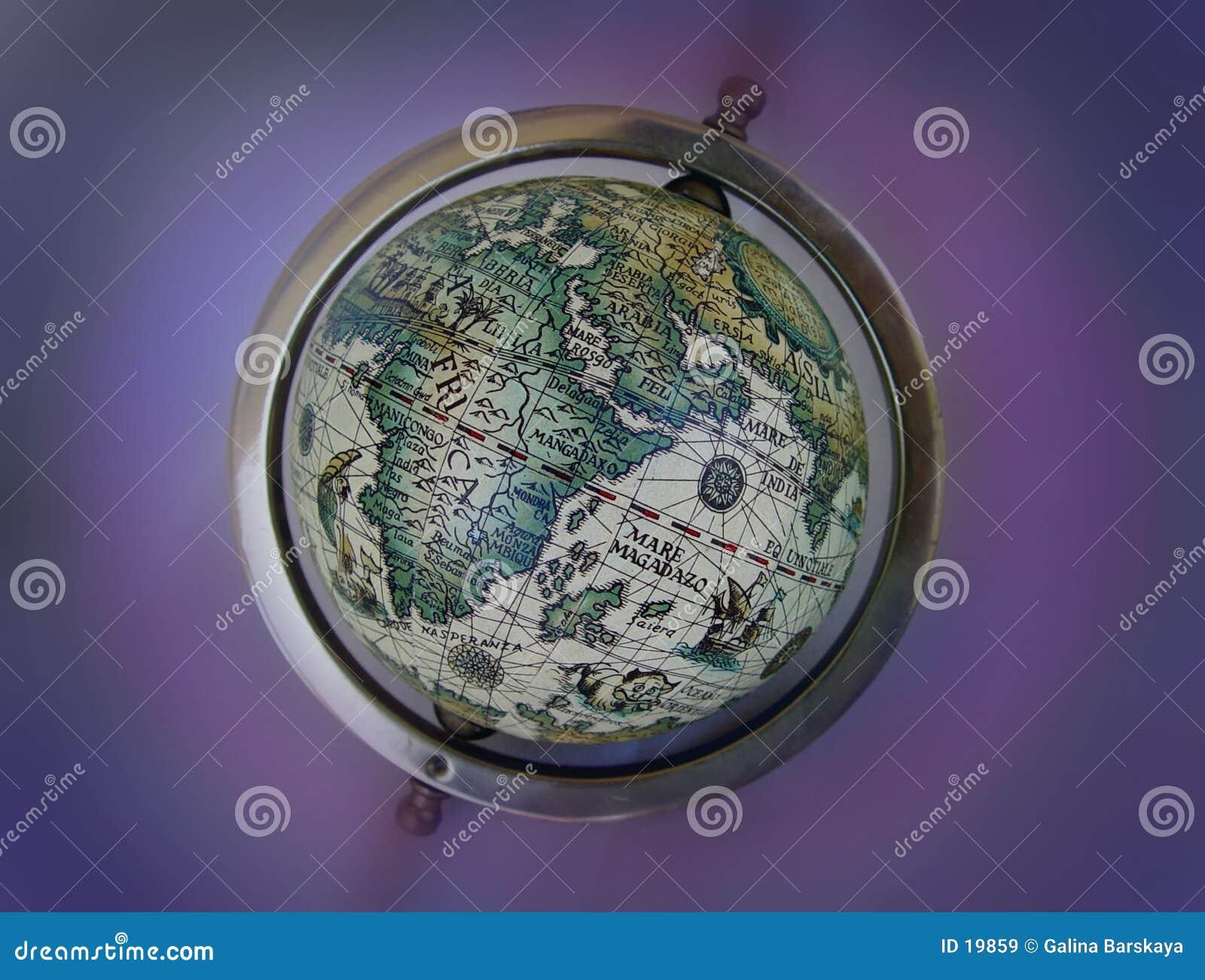 Globe antique de carte