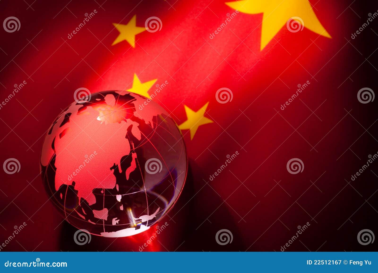 Globo e bandierina della Cina