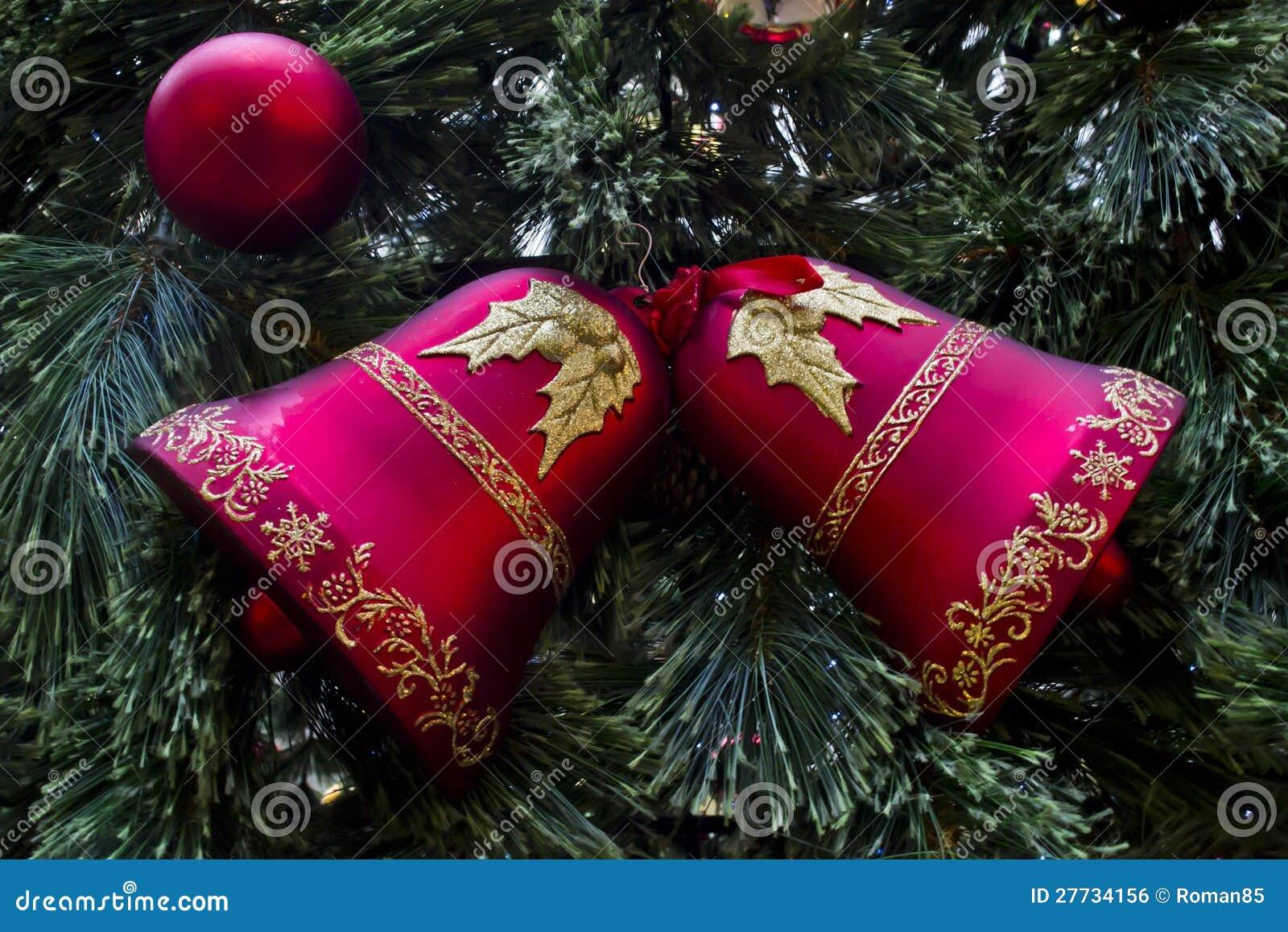 Glocken des neuen Jahres Hand