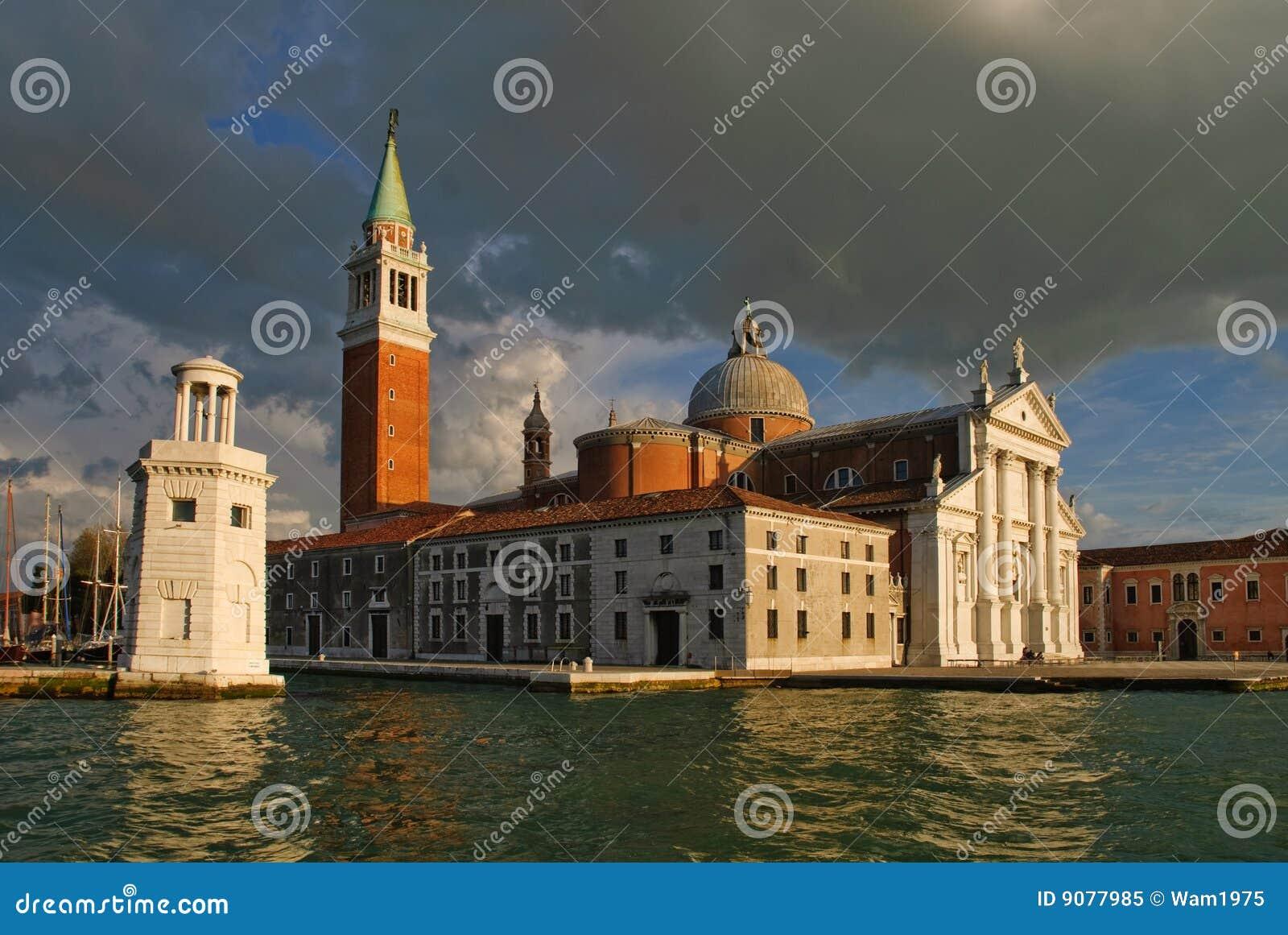 Glockenturm Venedig der Str.-Markierung