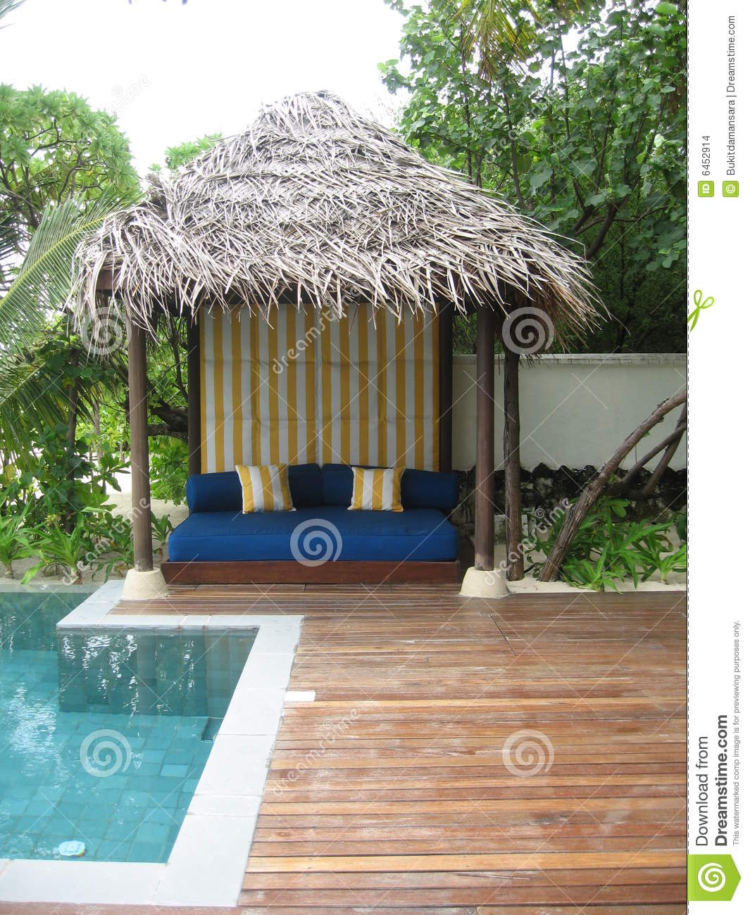 Gloriette de poolside images stock image 6452914 for Piscine gloriette