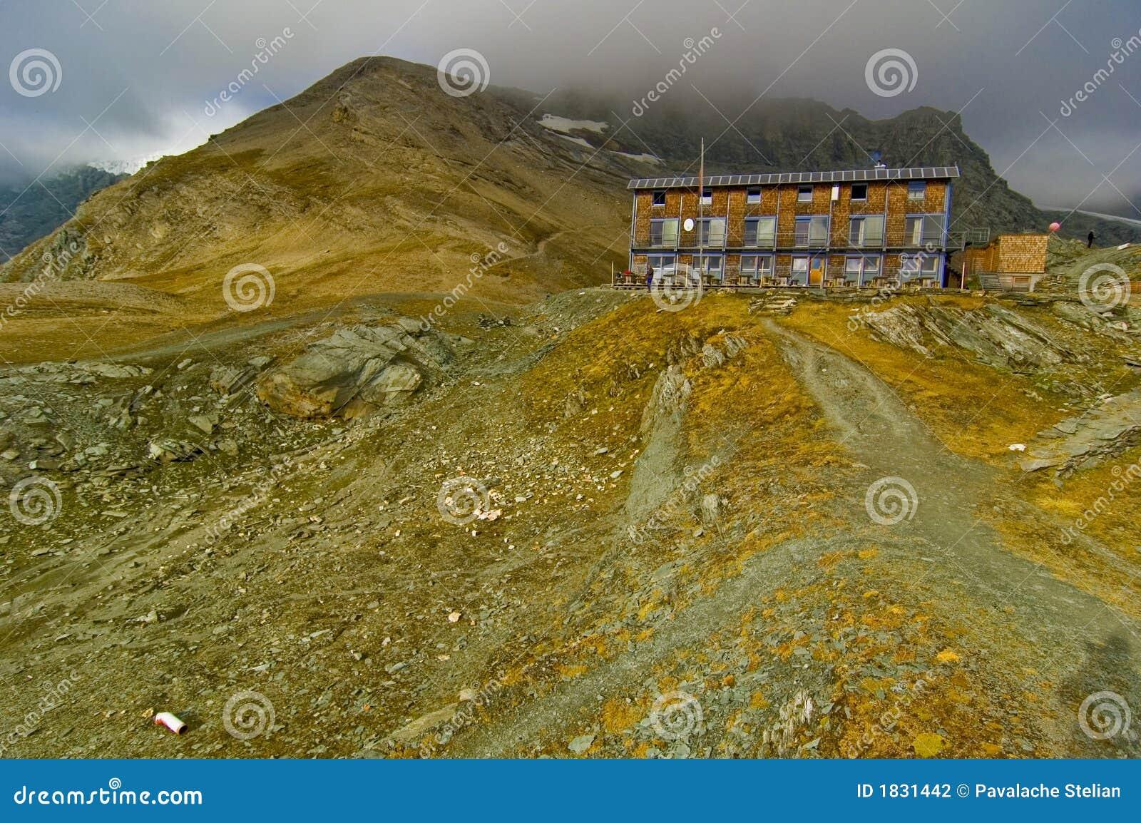 Glossglockner καταφύγιο βουνών