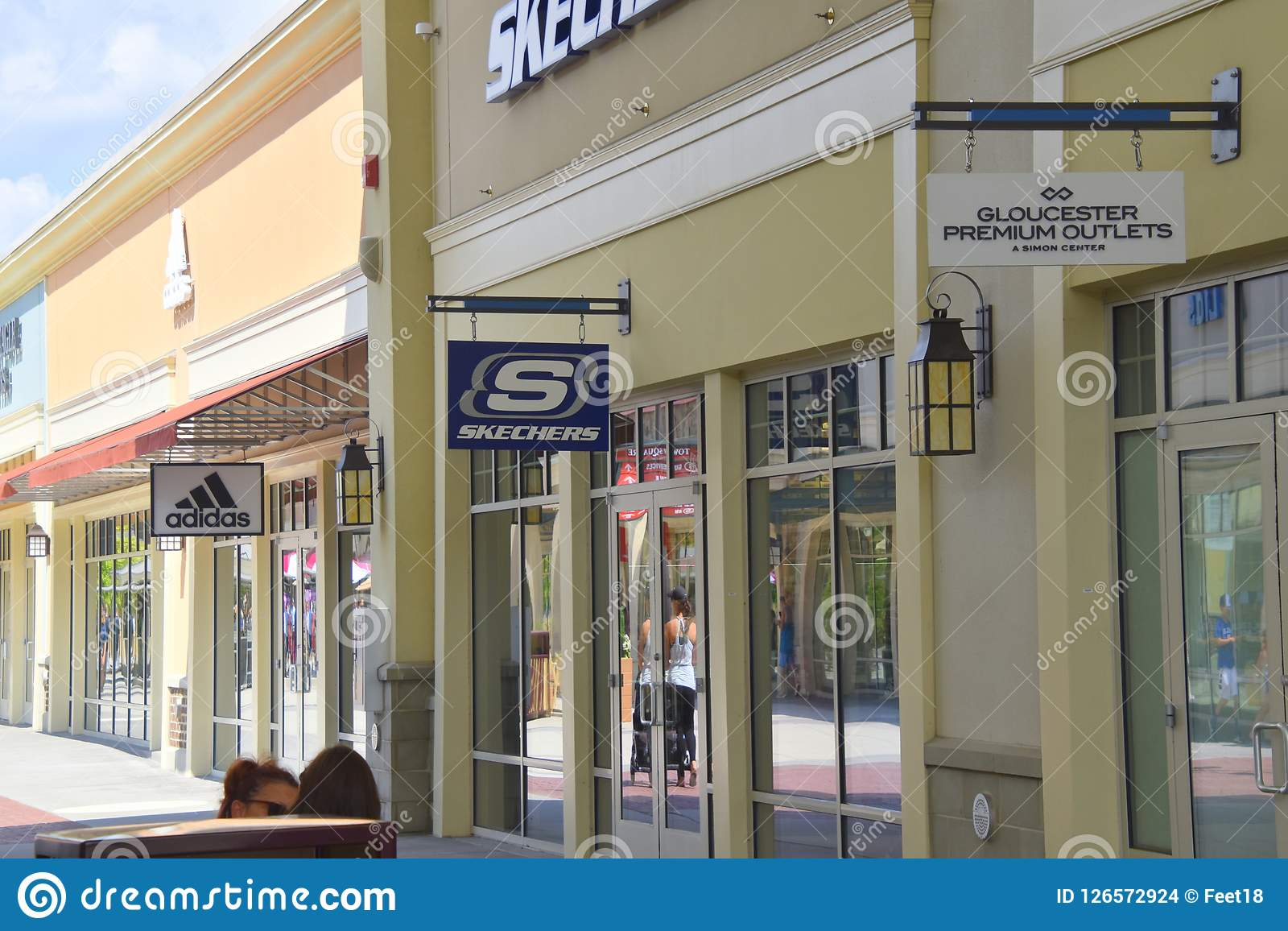 skechers premier outlets