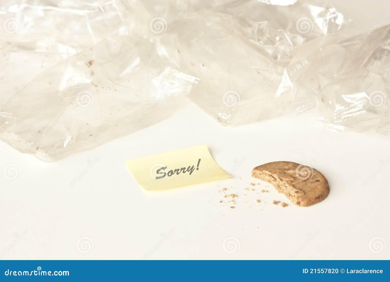 Glouton, reste de gâteau avec la note de post-it : désolé !