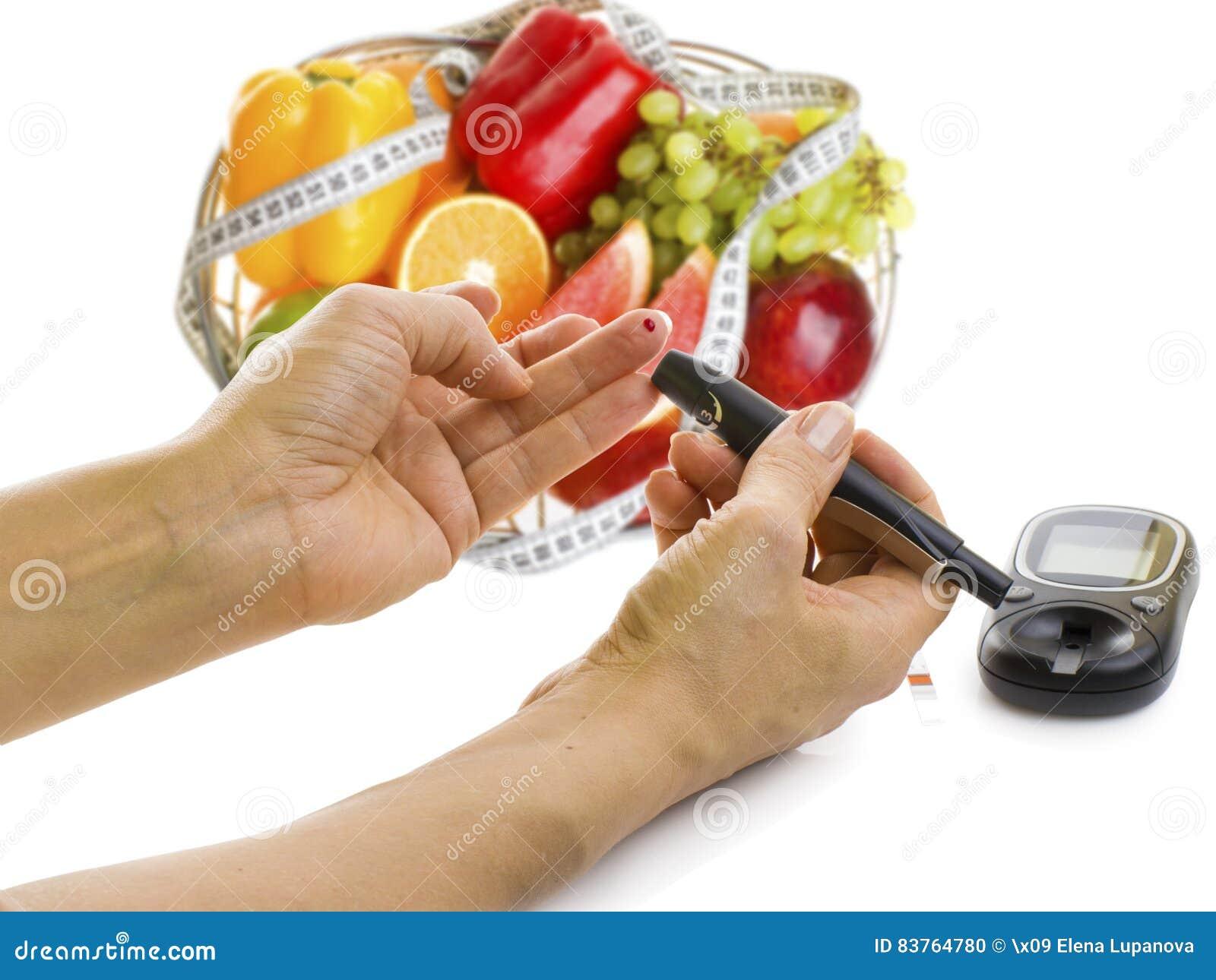Glucometer pour le niveau de glucose et l aliment biologique sain