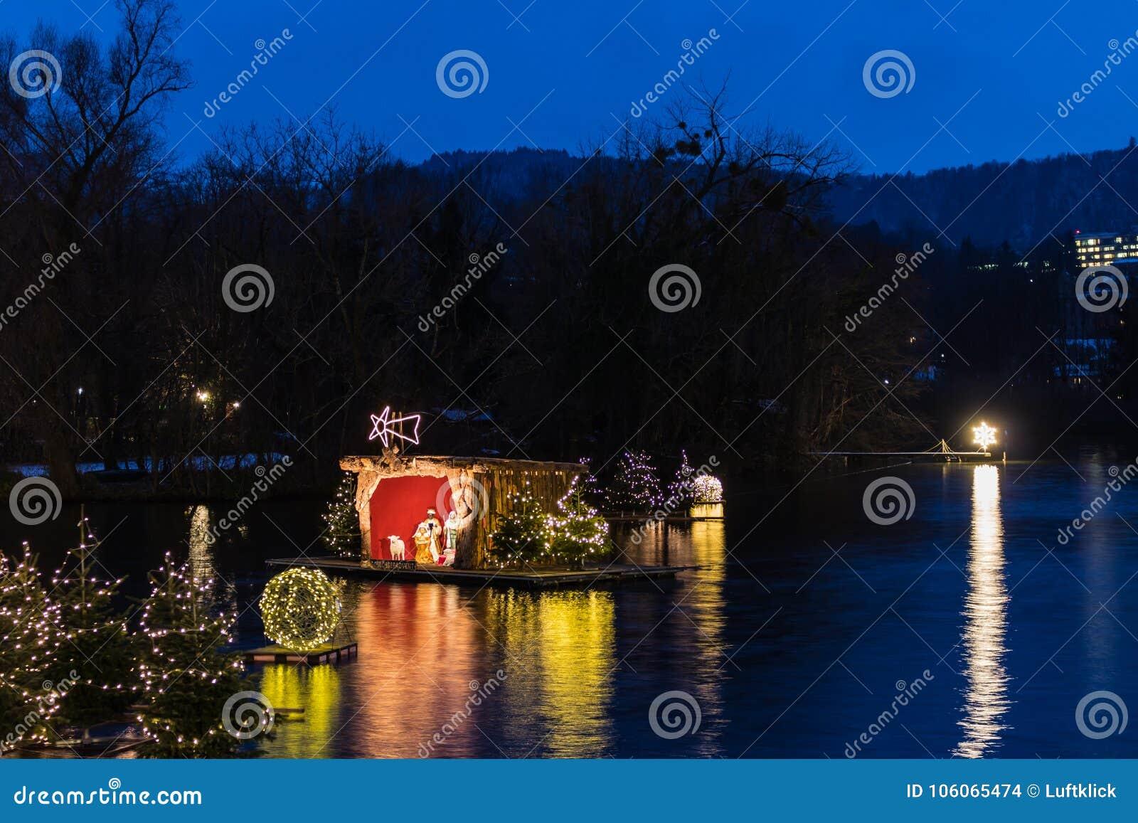 Gmunden, Komst, Schloss, Kerstmismarkt op meertraunsee