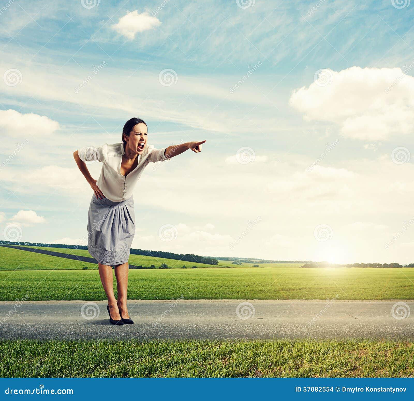 Download Gniewna krzycząca kobieta zdjęcie stock. Obraz złożonej z biznes - 37082554