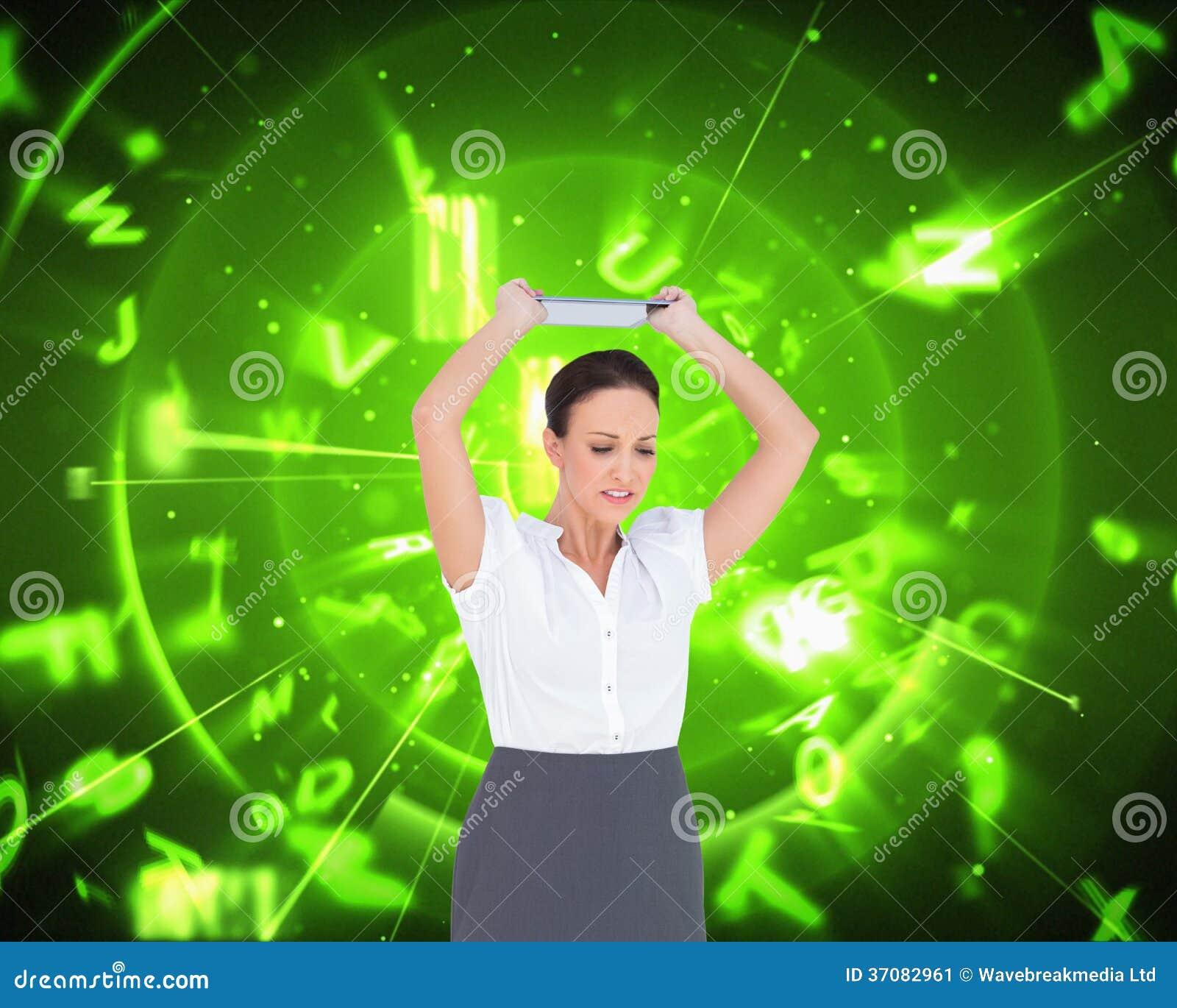 Download Gniewny Bizneswoman Rzuca Jej Pastylka Komputer Osobistego Ilustracji - Ilustracja złożonej z profesjonalizm, digitise: 37082961