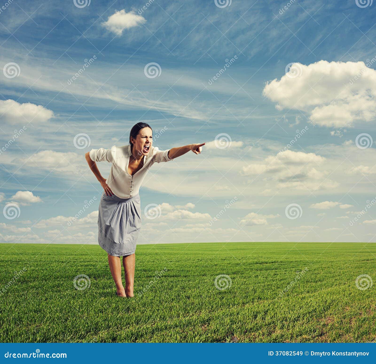 Download Gniewny kobiety krzyczeć obraz stock. Obraz złożonej z palec - 37082549