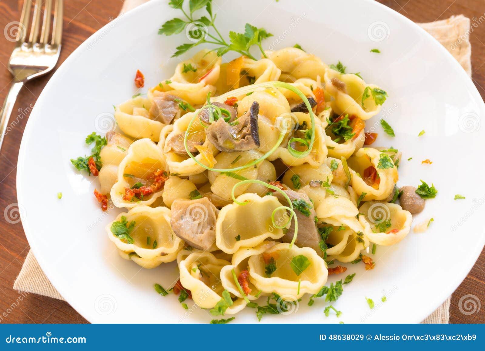 Gnocchi Con I Funghi Cucina Italiana Fotografia Stock Immagine  #3E3309 1300 958 Immagini Di Cucina E Soggiorno Insieme