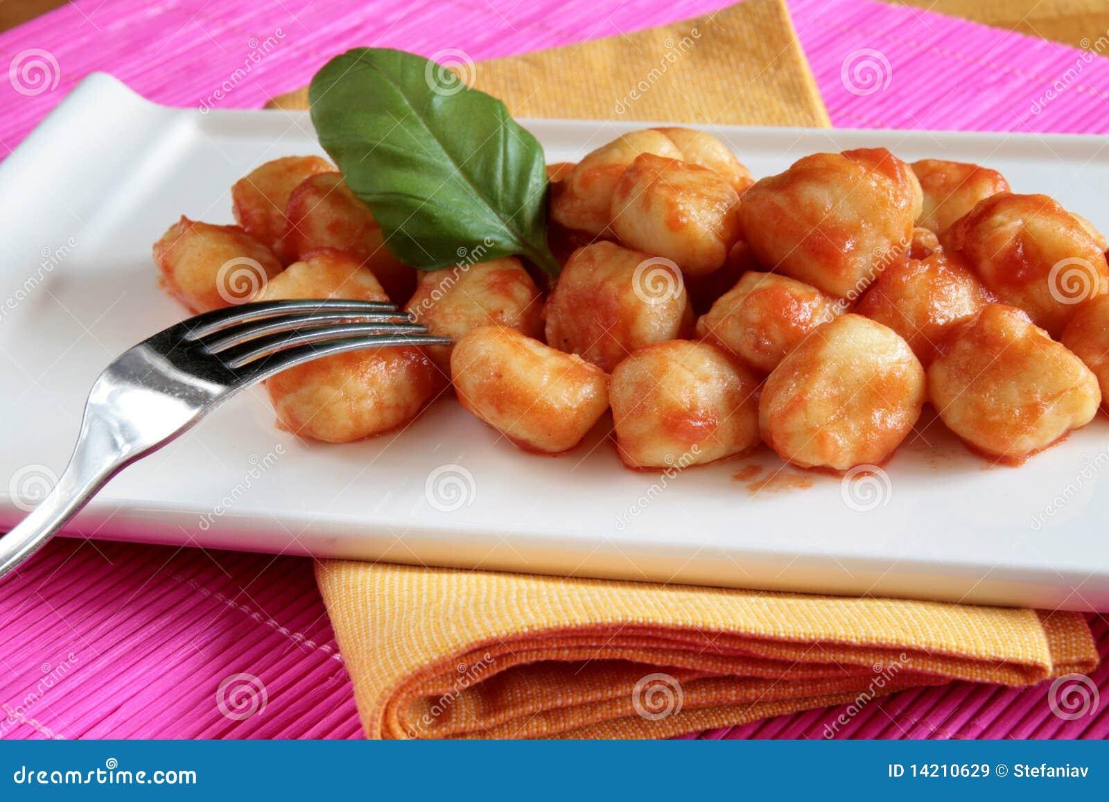 Gnocchi do molho de tomate