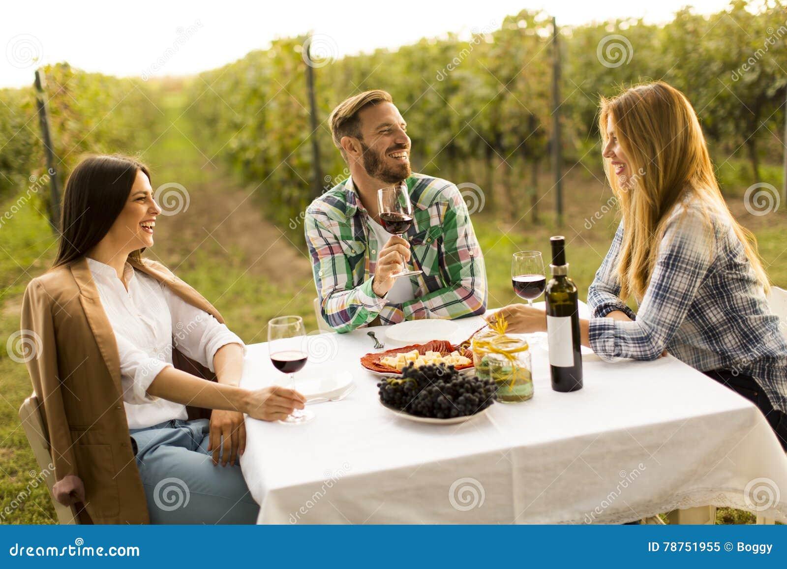 Gość restauracji w winnicy
