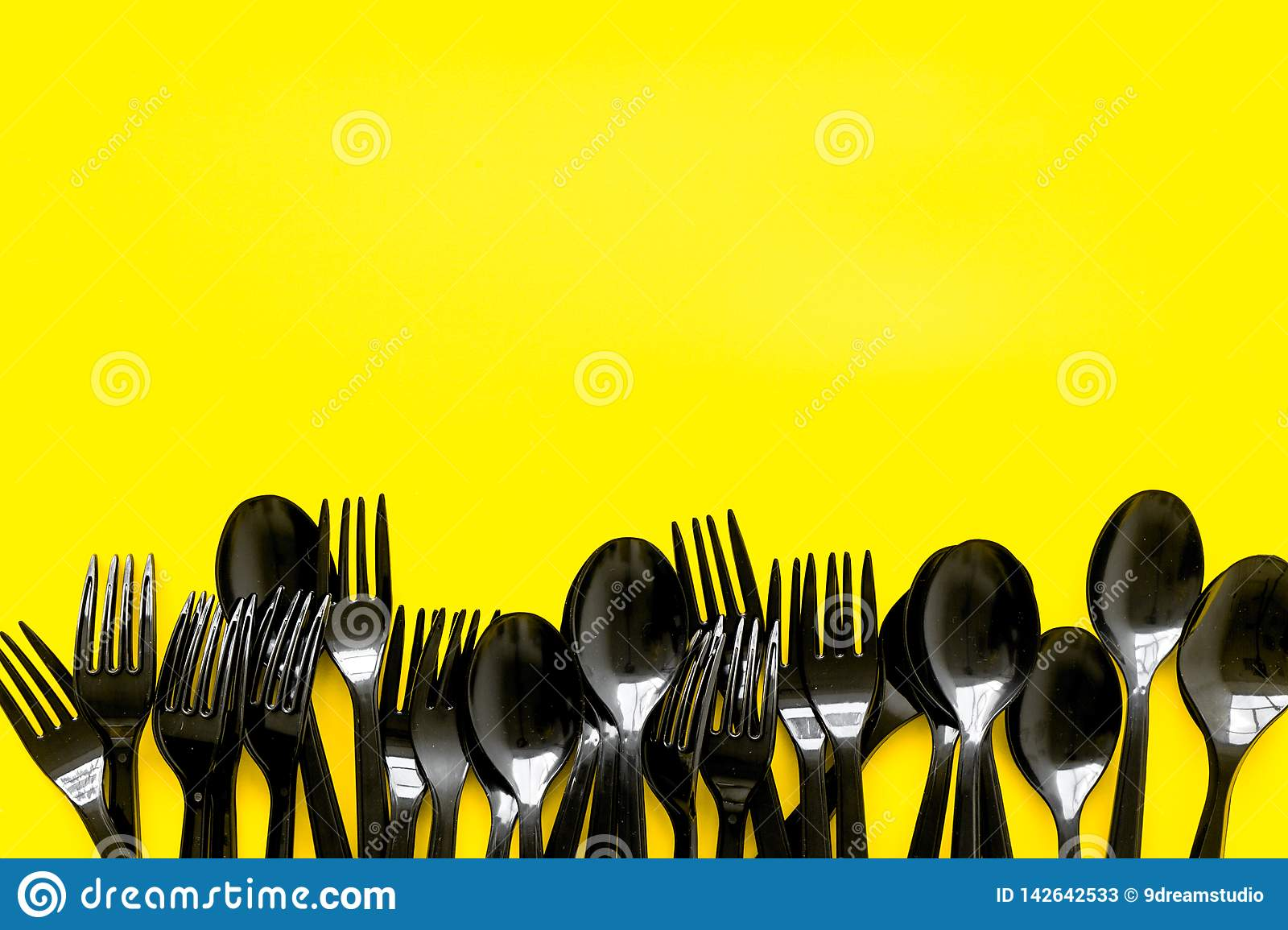 Plastic Flatware Forks Spoons For Eco And Earth Protection