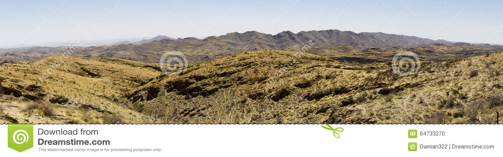 Goanikontes è situato in un paesaggio del tipo di lunare, nel Namib