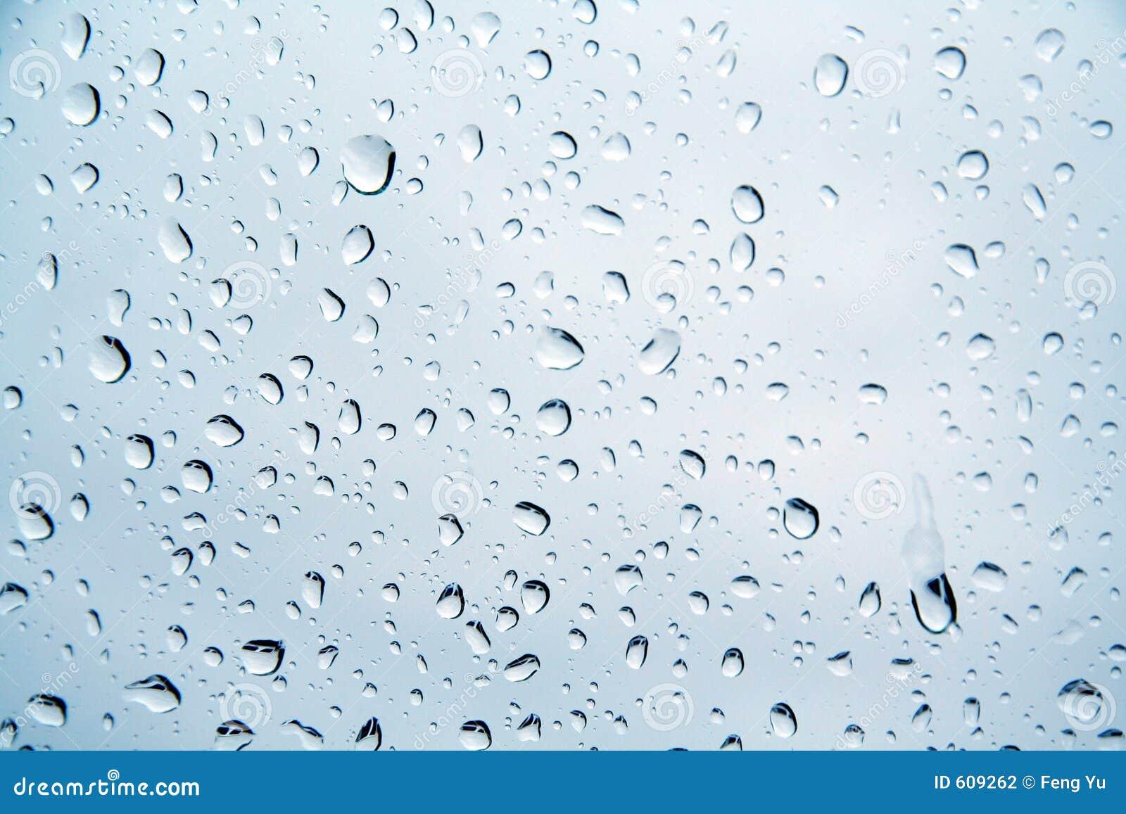 Gocce di acqua su un vetro di finestra fotografia stock for Finestra con gocce d acqua