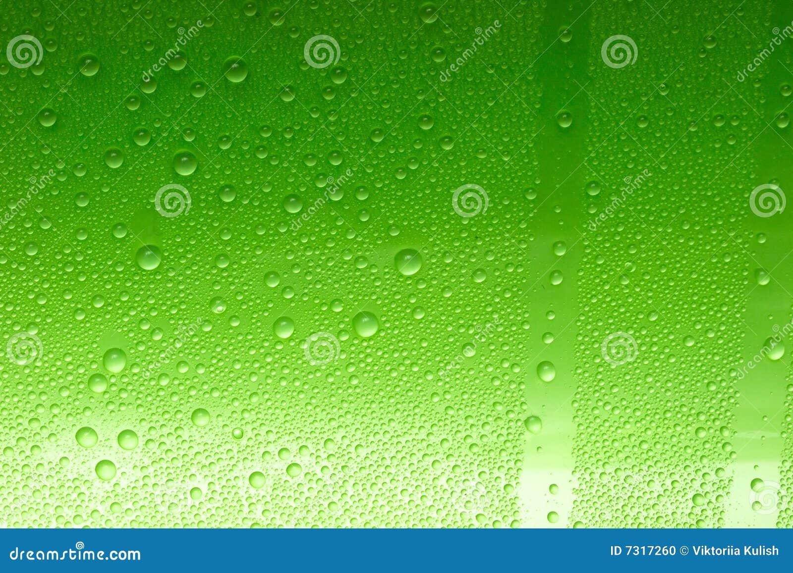 Gocce verdi dell acqua