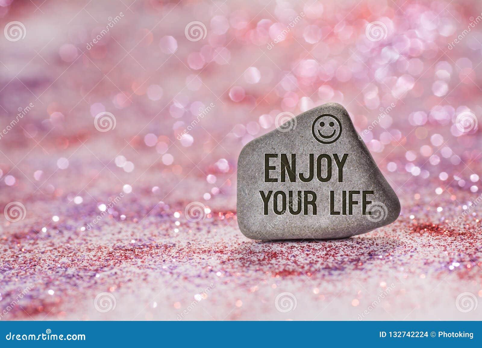 Goda della vostra vita incidono sulla pietra
