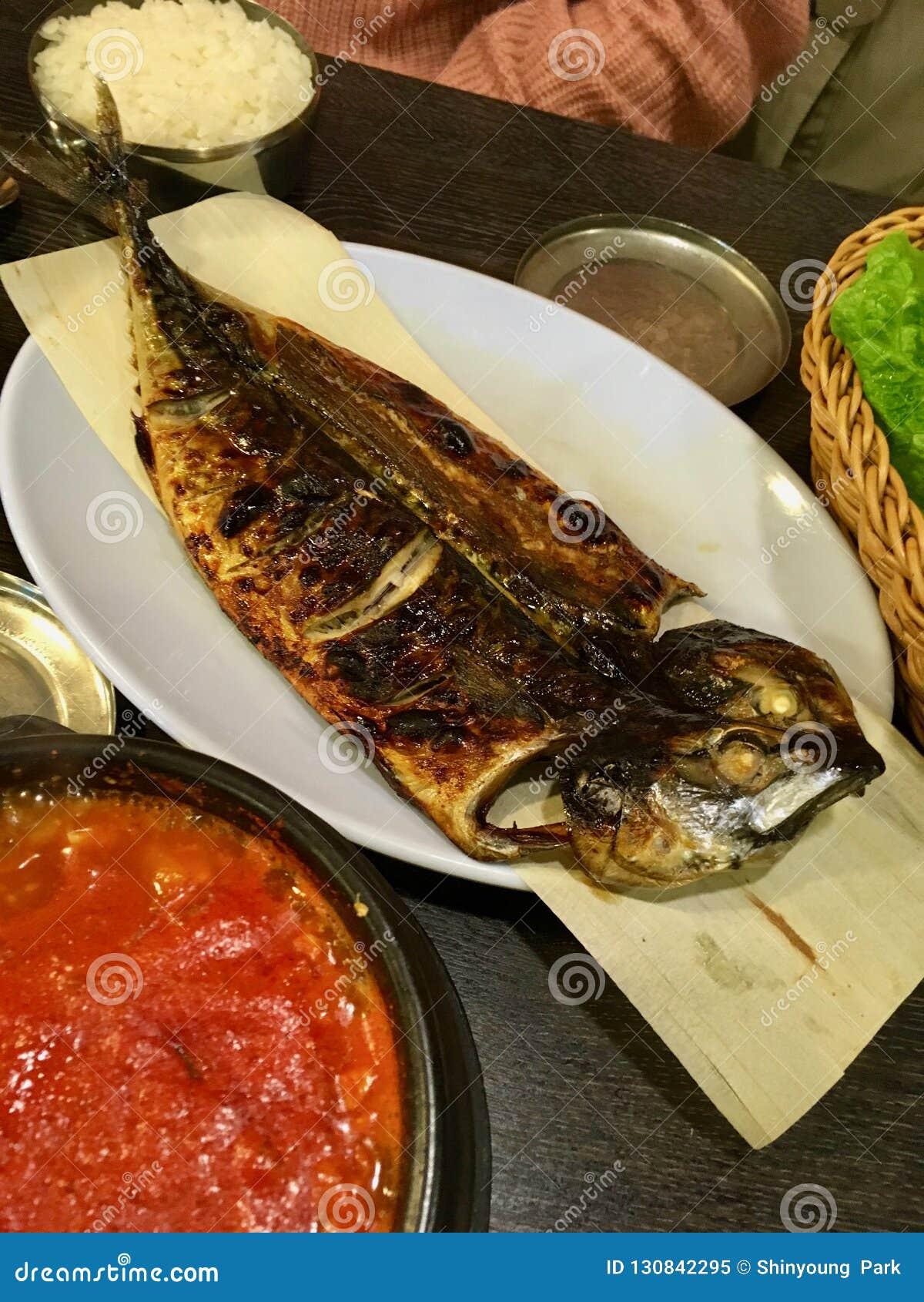 Godeungeo GUI - gegrillter koreanischer Makrelenteller