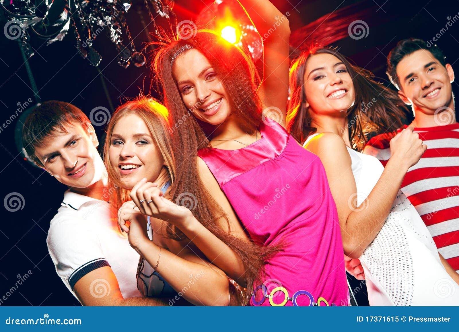 Фото девушек в московских клубах 16 фотография