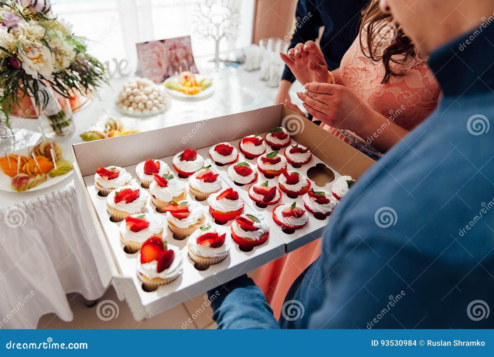 Godisstång Gifta sig tabellen med sötsaker, muffin